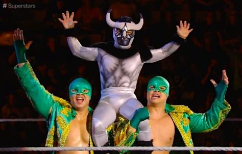 Superstars 091814 Los Matadores El Torito